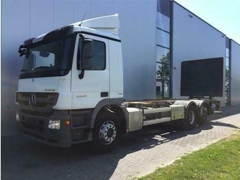 Kontejnerski tovornjak/ tovornjak z zamenljivim tovoriščem Mercedes-Benz ACTROS 2532 6X2 BDF EURO 5