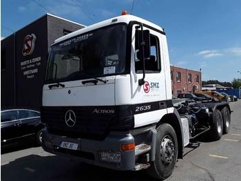 Kontejnerski tovornjak/ tovornjak z zamenljivim tovoriščem Mercedes-Benz Actros 2635