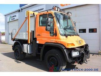 Unimog U 400 4x4 Winterdienst Wechsellenkung Klima AHK - tovornjak s kesonom