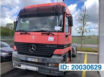 Tracteur routier Mercedes-Benz Actros 1843LS