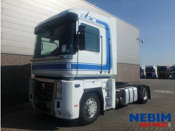 Tractor truck Renault MAGNUM 480 DXi Euro 5 EEV - 686.220KM