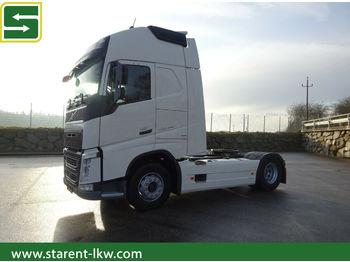 Tractor truck Volvo FH 500, EURO6, Tankverkleidung