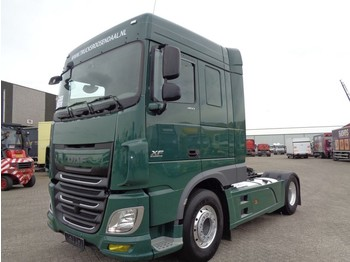 Tractor unit DAF XF106.460 + ADR Euro 6 + RETARDER + 4x in stock - production 2017: picture 1