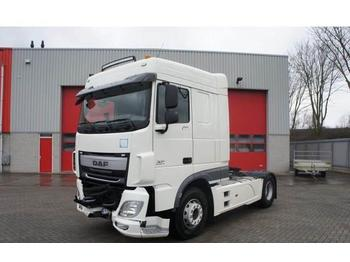 DAF XF106-460 / SPACECAB / AUTOMATIC / EURO-6 / 2015  - tractor unit