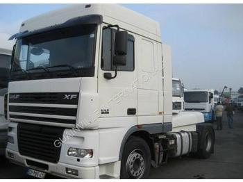 Tractor unit DAF XF95: picture 1