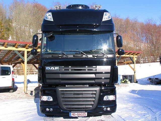 new daf xf mit vollausstattung sofort verf gbar. Black Bedroom Furniture Sets. Home Design Ideas
