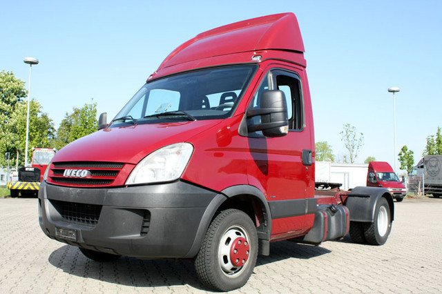 iveco daily 50c18 city minisattel schalter top tractor. Black Bedroom Furniture Sets. Home Design Ideas