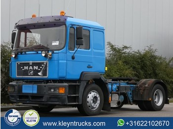 Tractor unit MAN 19.403 F2000 manual
