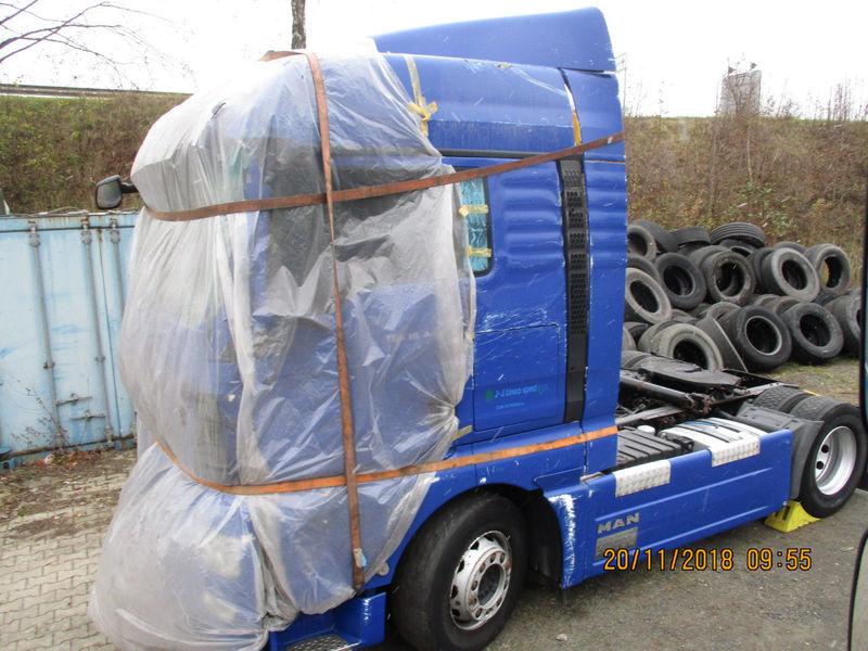 48b6ed7994 MAN TGX 18 440 4x2 BL XLX FullSpoiler Schaltgetriebe tractor unit ...