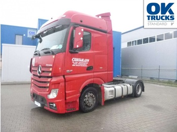 Tractor unit Mercedes-Benz 1846