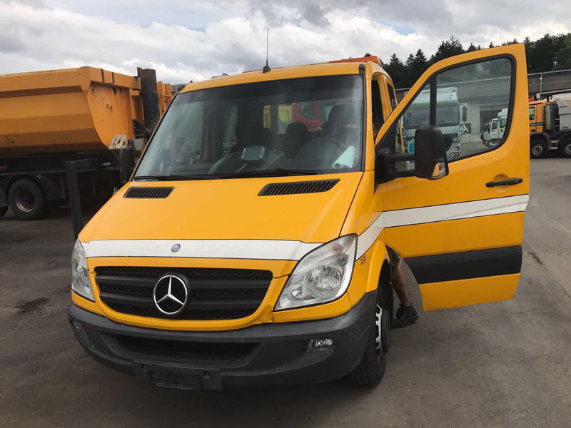 Mercedes Benz 519 Cdi Be Trekker Tractor Unit From Hungary For Sale