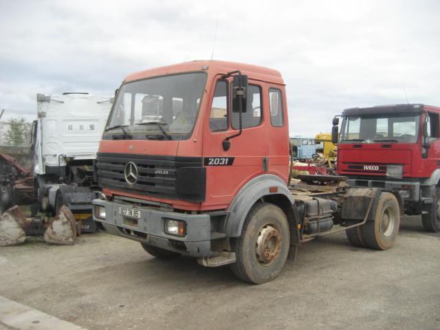 tractor unit Mercedes SK 2031