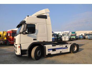 Tractor unit VOLVO FM9