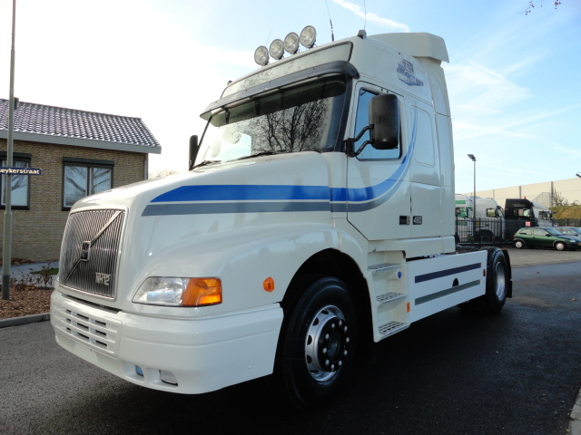 volvo nh 12 460 globetrotter tractor unit from netherlands for sale at truck1 id 899782. Black Bedroom Furniture Sets. Home Design Ideas