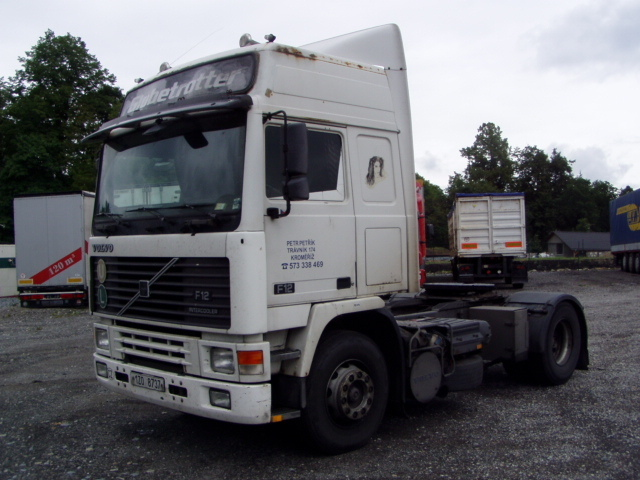 Volvo F12/400, GLOBETROTTER tractor unit from Czech Republic for sale at Truck1, ID: 998101