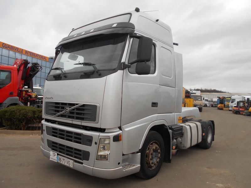 tractor unit Volvo FH12 380