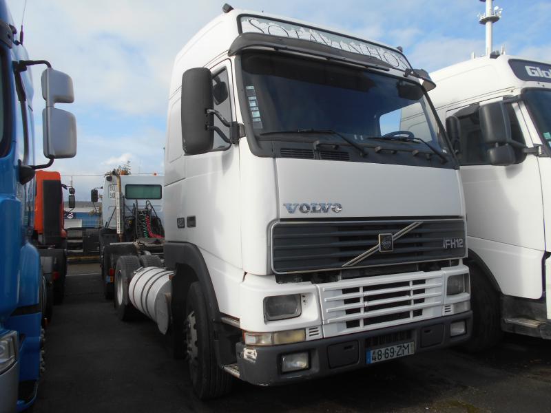 tractor unit Volvo FH12 420