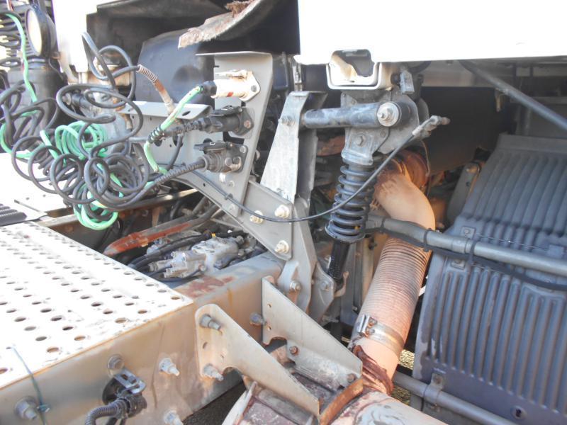 tractor unit Volvo FH12 460