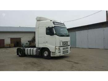 Tractor unit Volvo FH12, double sleeper
