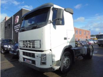 Tractor unit Volvo FH 12 420 damaged