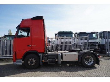 Tractor unit Volvo FH 420 ADR GLOBETROTTER