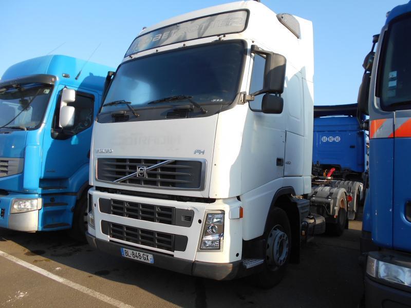 tractor unit Volvo FH 480