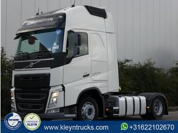 Tractor unit Volvo FH 500 globe xl