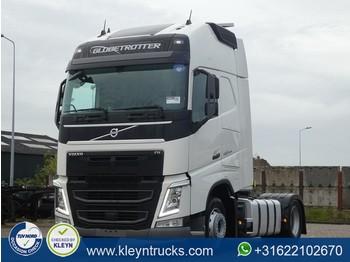 Tractor unit Volvo FH 500 globe xl euro 6