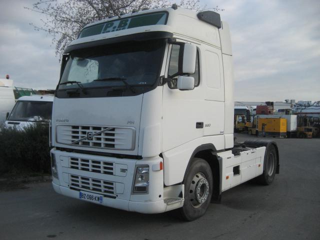 tractor unit Volvo FH 520