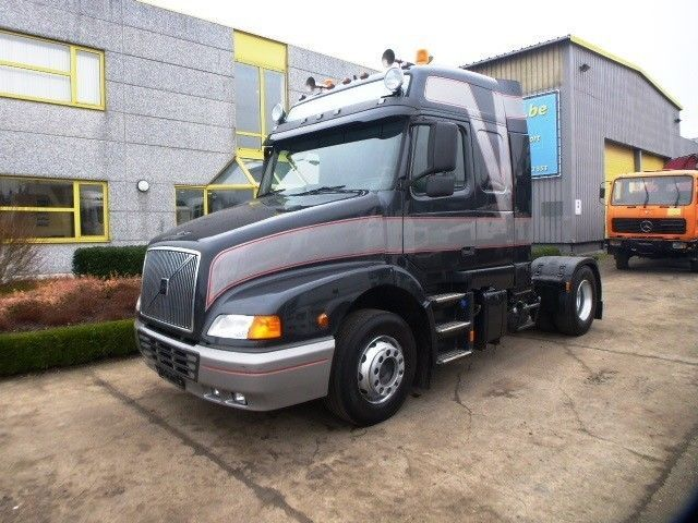 volvo nh 420 globetrotter niv 3 tractor unit from belgium for sale at truck1 id 1307513. Black Bedroom Furniture Sets. Home Design Ideas