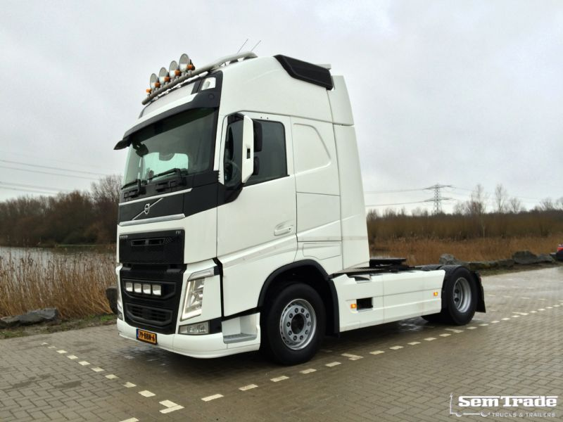volvo volvo fh4 500 globetrotter xl tractor unit from. Black Bedroom Furniture Sets. Home Design Ideas