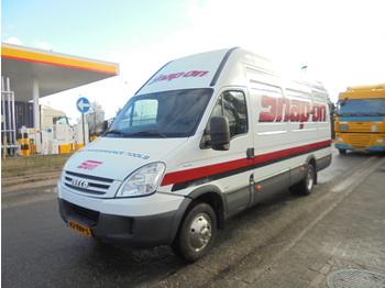 Skåpbil Iveco 40C15V EURO 4