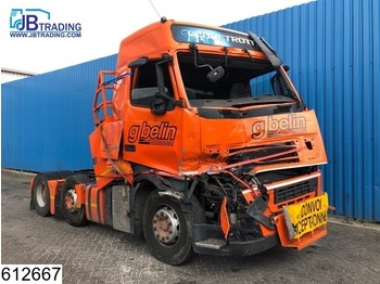 Volvo FH13 500 6X2, EURO 5, Airco, Hub reduction, Damaged truck - trekker