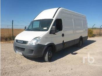 IVECO DAILY 3.0 HPI - box truck