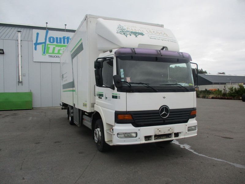 box truck Mercedes-Benz 1223