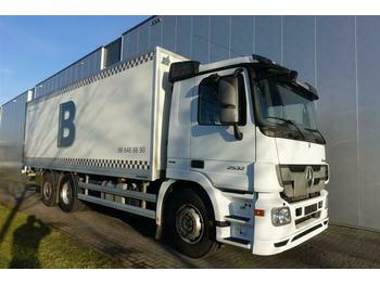 Mercedes-Benz ACTROS 2532 6X2 BOX DAY CABIN EURO 5  - box truck