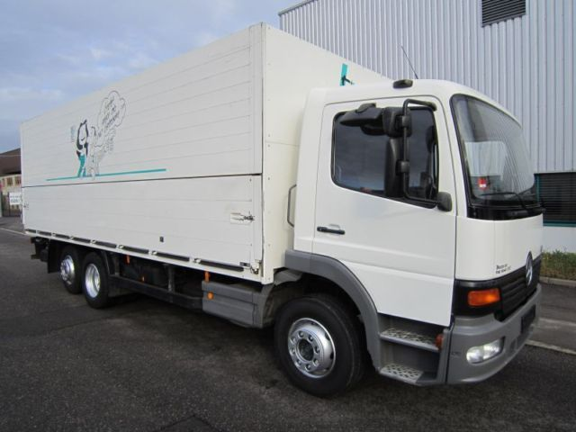 Mercedes-Benz Atego 2028 L kein 1528 6x2 Getränke LBW 2000kg box ...