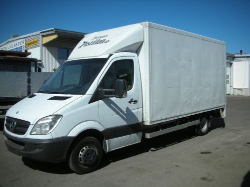 Mercedes benz sprinter 518 cdi 4350 box truck from for Mercedes benz box truck