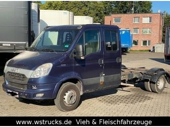 Cab chassis truck Iveco 70C21 Doppelkabine Fahrgestell AHK