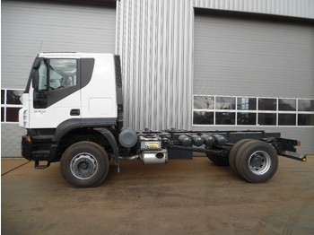 Cab chassis truck Iveco Trakker 380 4x2 Chassis Cab: picture 1
