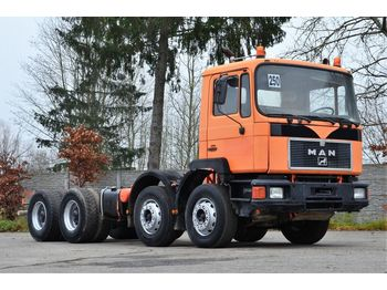 MAN 32.322 - cab chassis truck