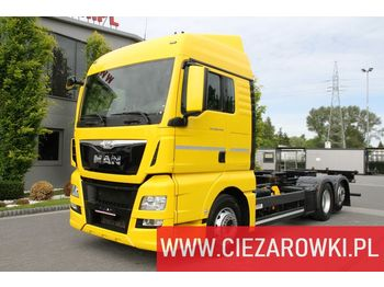 Cab chassis truck MAN TGX 26.440 E6 6x2 - RETARDER - LIFT AXLE - BDF CHASSIS - 2 BEDS