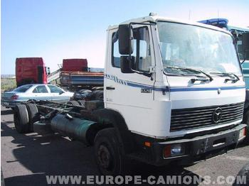 Cab chassis truck MERCEDES 1320: picture 1