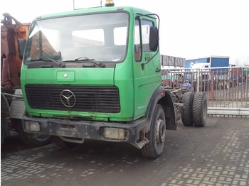 Cab chassis truck MERCEDES BENZ 1622