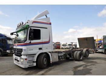 MERCEDES-BENZ 2548 L - cab chassis truck