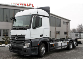 MERCEDES-BENZ ACTROS 2542 E6 6X2 BDF CHASSIS - cab chassis truck