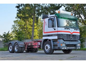 MERCEDES-BENZ ACTROS 2543 - cab chassis truck