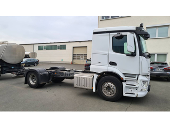 Mercedes Benz 1843 Actros 4x2  (Nr. 4787) - cab chassis truck
