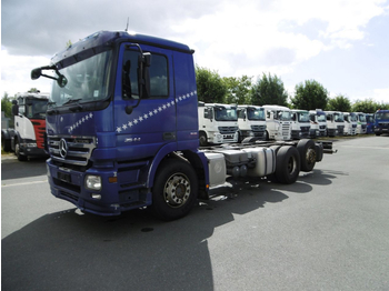 Cab chassis truck Mercedes Benz 2544 Actros (Nr. 4621)