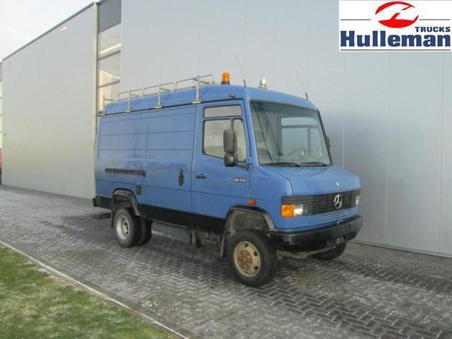 Mercedes benz 814d 4x4 manuel allrad closed box truck from for Mercedes benz box truck